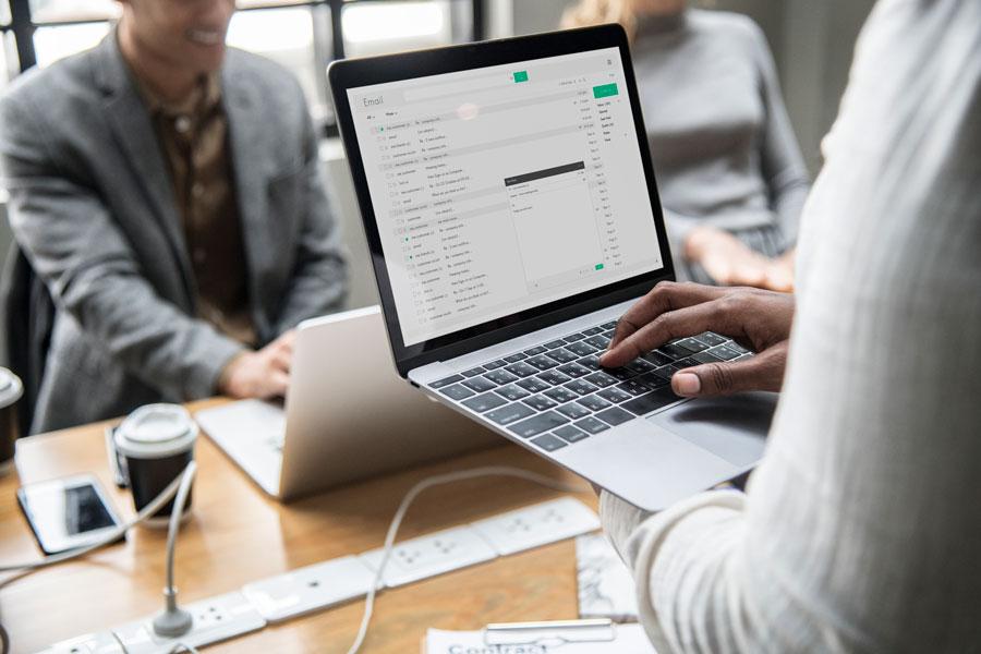 importancia de los correos corporativos